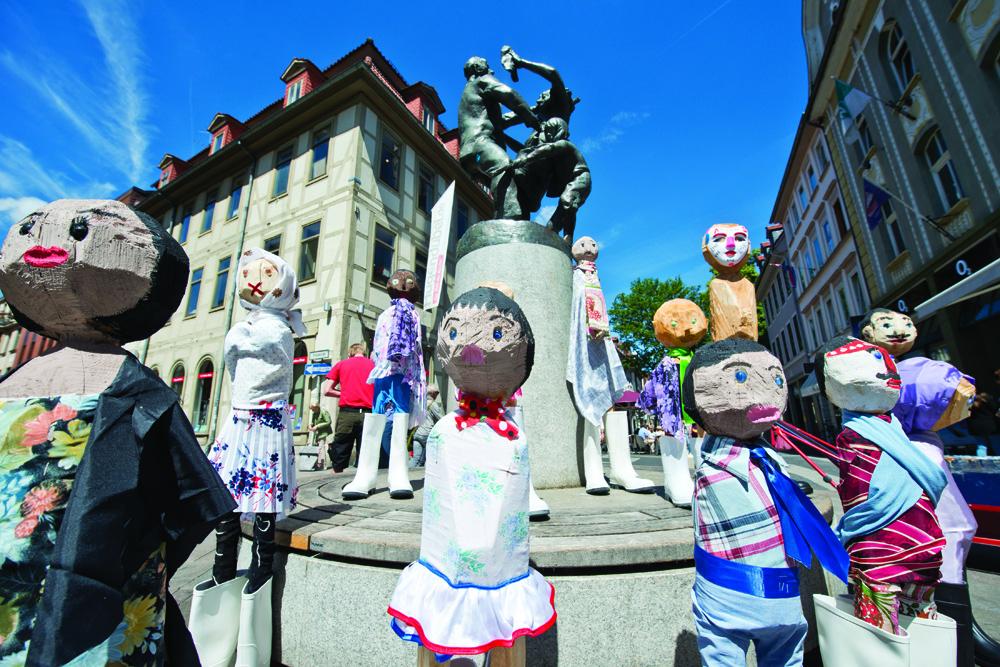 Skulpturen unterwegs – ein Projekt für jugendliche Geflüchtete mit dem Bildhauer Uwe Schloen